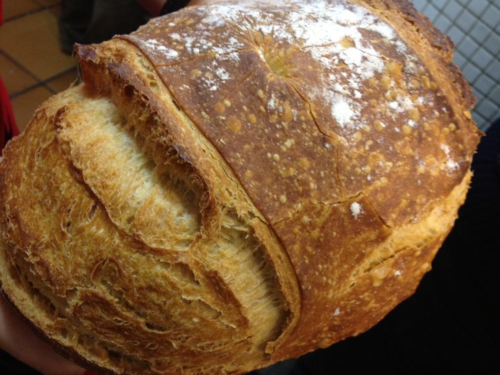 Pan elaborado con cuatro harinas que se sirve en el restaurante Etxanobe